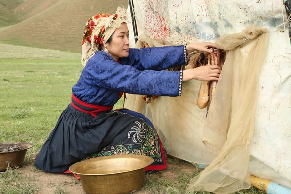 On Kyrgyz jailoo pasture thumbnail