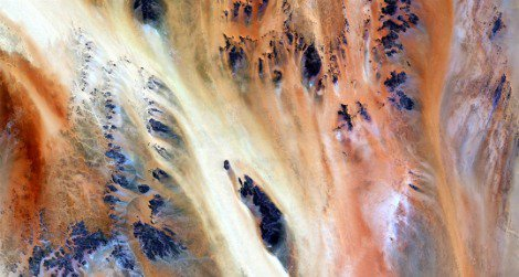 The Terkezi Oasis in Chad, as seen from Landsat 7