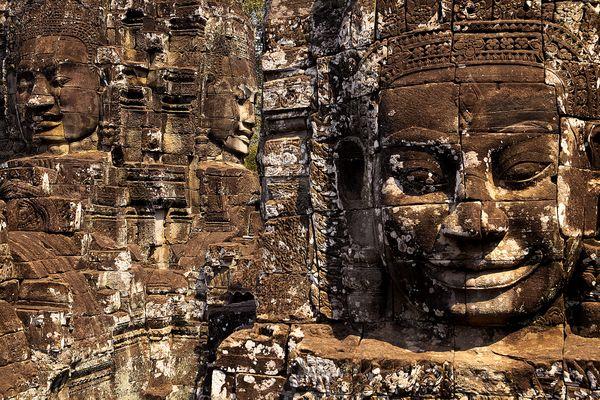 Faces of Bayon at Angkor Wat thumbnail