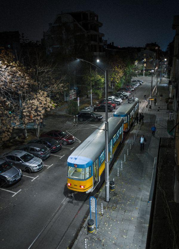 Late tram thumbnail