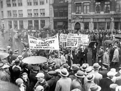 Demonstration on May Day with antifascist banners, on May 1, 1929 in New York.