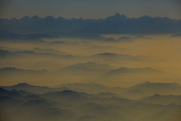 Waves of Mountains thumbnail