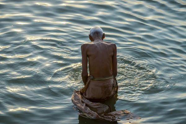 Believer in Ganges River thumbnail