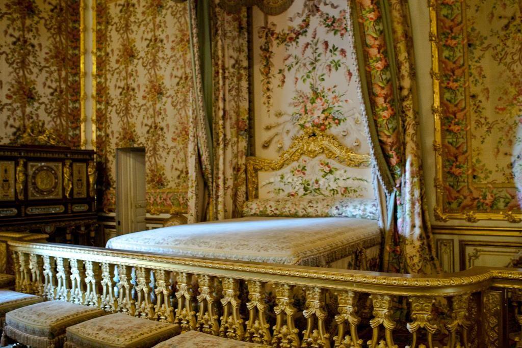 25 Marie Antoinette-Inspired Destinations