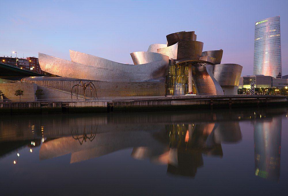 1024px-Bilbao_-_Guggenheim_aurore.jpg