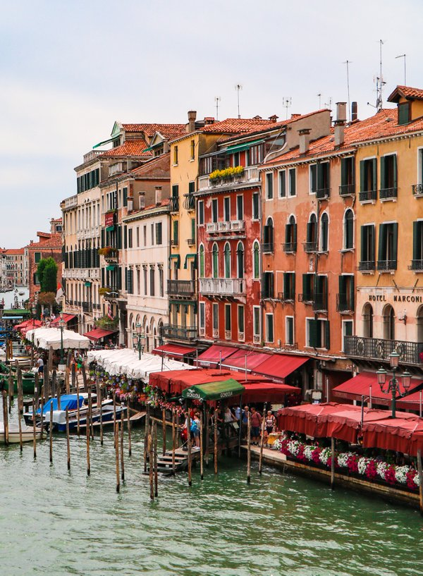 Colours of Life in Venice thumbnail