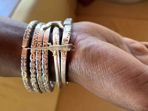 Tiny Bracelet Gecko thumbnail