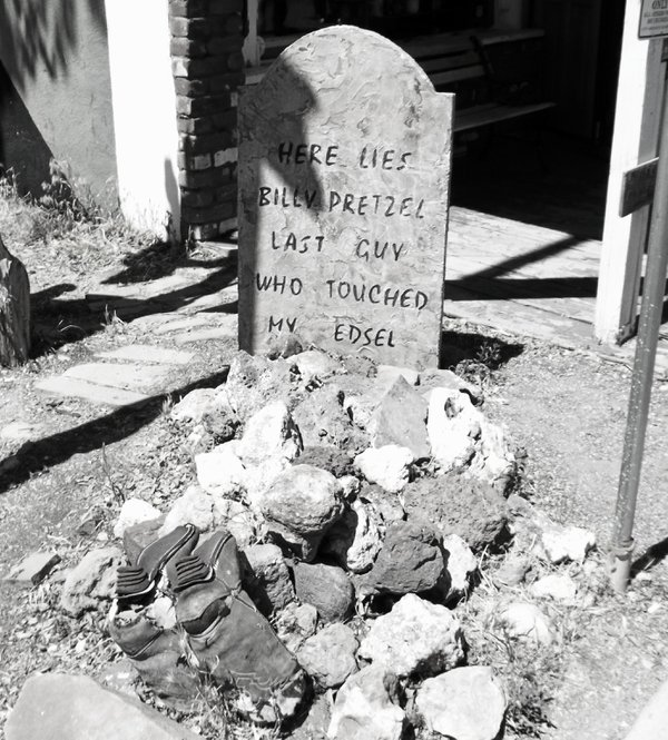 Funny western  ghost town gravesite thumbnail