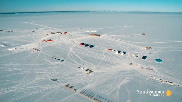 Preview thumbnail for This Remarkable Antarctic Base Can Move Around in Case of Danger