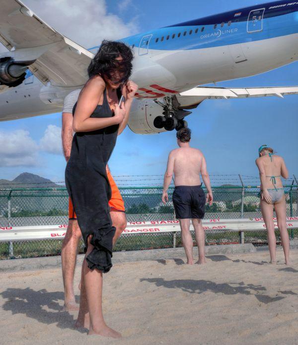 landing airplane thumbnail