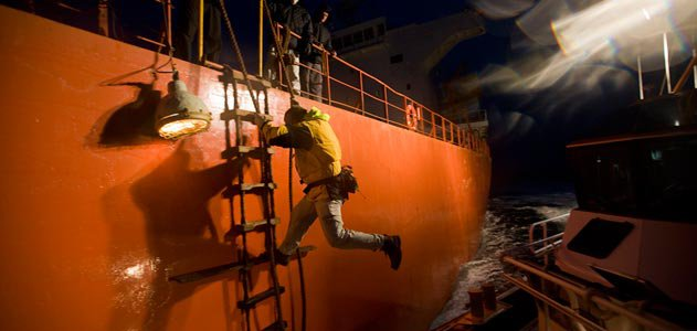 Bar pilots risk their life to guide ships