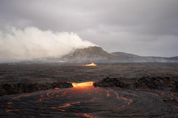 Volcano Geldingadalir erupting in Iceland thumbnail