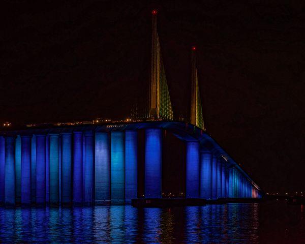 Light display illuminates Sunshine Skyway Bridge thumbnail
