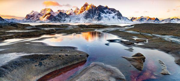 Frozen Sunrise at Vareid thumbnail
