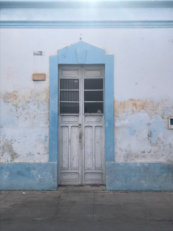One of the many unique puertas in Mérida Mexico thumbnail