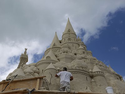 Ted Siebert set a world record when he built this sandcastle for Turkish Airlines in Key Biscayne, Florida, in 2015.
