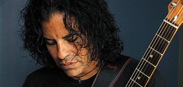 Apache guitarist Stevie Salas