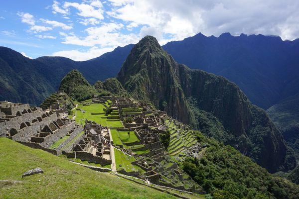 Macchu Picchu Mountains thumbnail