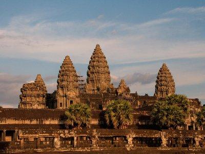 At its height in the 13th century, Angkor boasted a population of around 700,000 to 900,000.