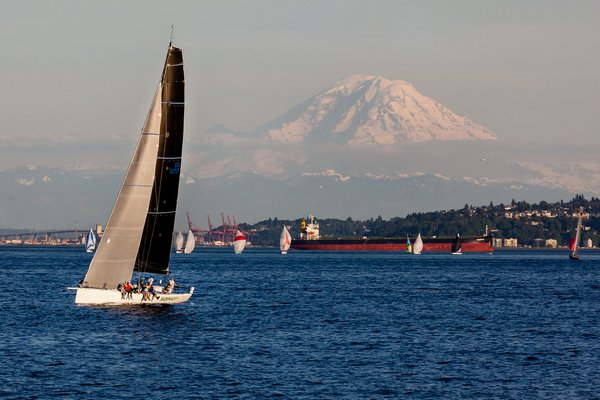 Sailing from Seattle with Mount Rainier, WA thumbnail