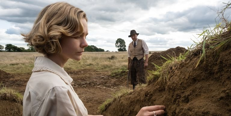 """Carey Mulligan and Ralph Fiennes in a still from """"The Dig"""""""