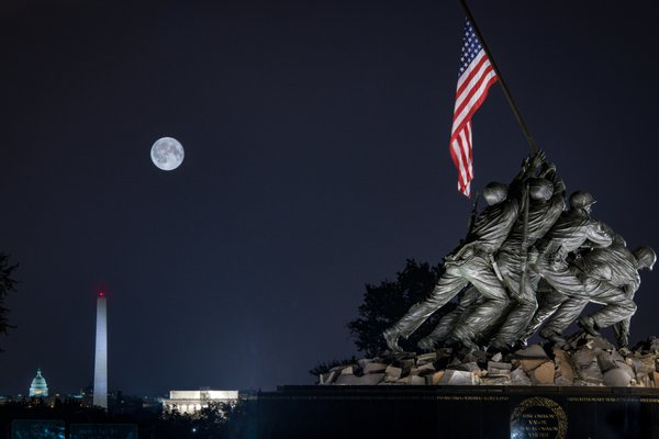 Stureon Moon over Washington Monuments thumbnail