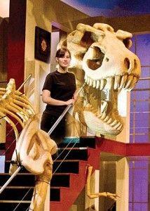 20110520083130lola-dinosaur-skeleton-214x300.jpg