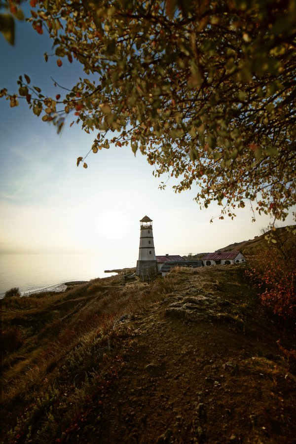 Lighthouse, november thumbnail