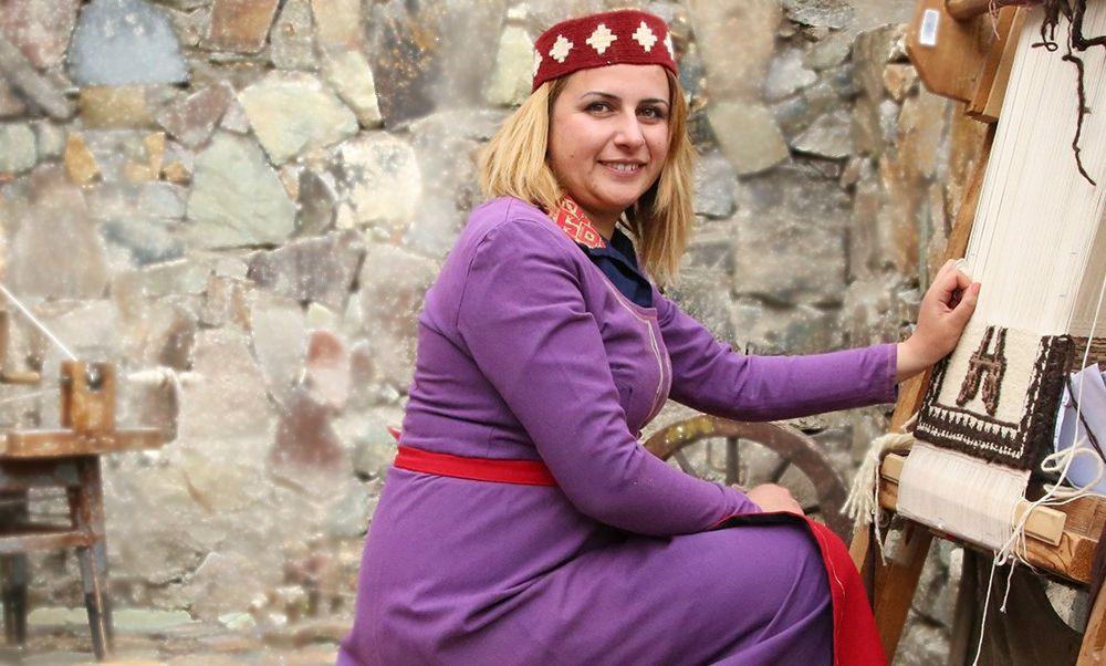 """A carpet making """"Master Class"""" in Armenia"""