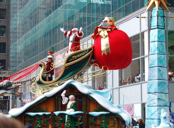 """Santa"" Greeting the Christmas Season for 2009, at the end of the Thanksgiving Day Parade. thumbnail"
