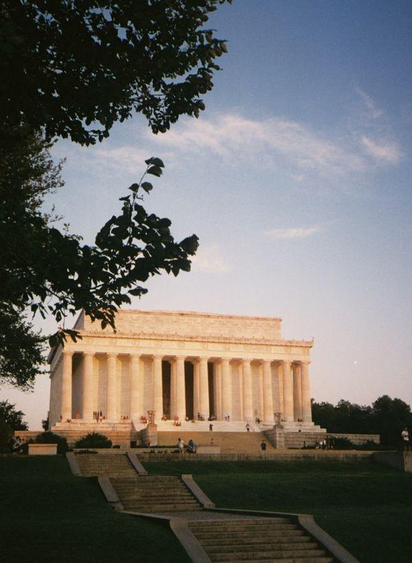 Lincoln Memorial at Sunrise thumbnail