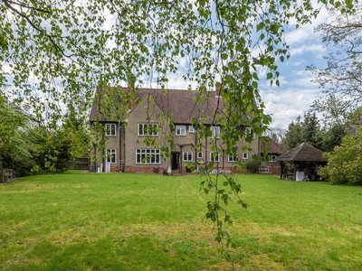 The Lord of the Rings author lived at 20 Northmoor Road on the outskirts of Oxford, England, between 1930 and 1947.