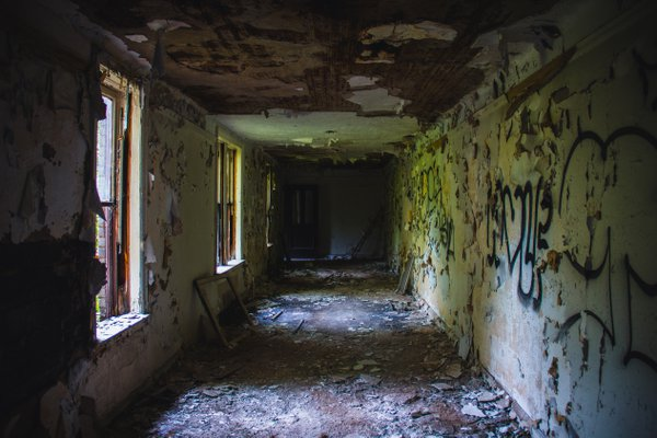 Grimy Hallway thumbnail