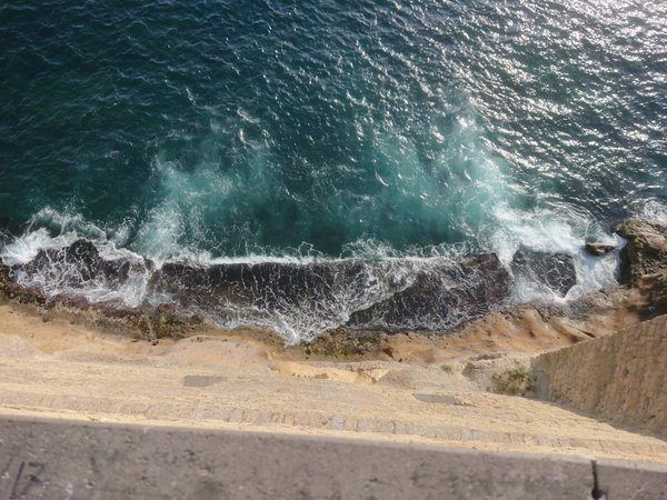 Castel dell'Ovo waves thumbnail