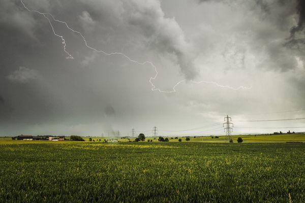 Lightning Storm (Over Hampton) thumbnail