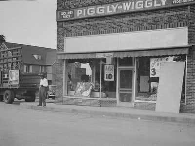 A Piggly Wiggly in 1939.