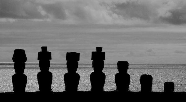 Moai in Silhouette thumbnail