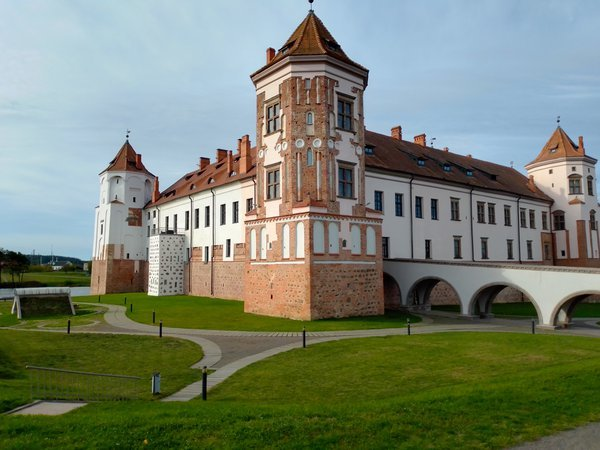 Mir Castle - the historical heritage of Belarus thumbnail