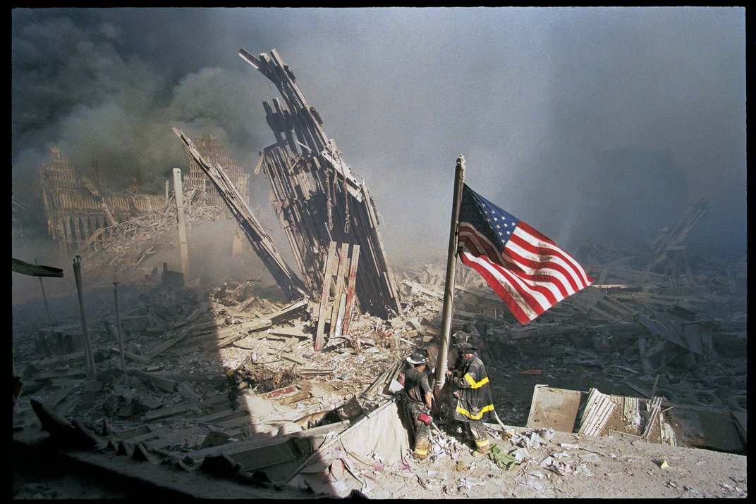 A Lesser-Known Photo of an Iconic 9/11 Moment Brings Shades of Gray to the Day's Memory