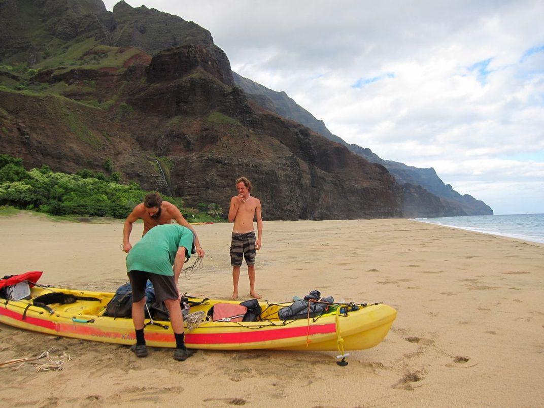 Hawaii's Last Outlaw Hippies