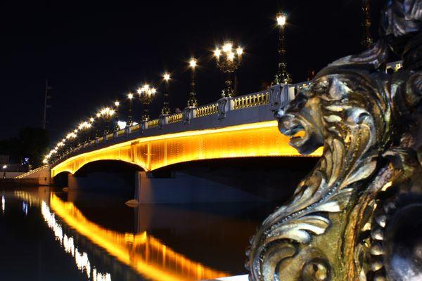 The Nostalgic Jones Bridge thumbnail