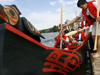 A canoe Doug Chilton and other Tlingit artisans crafted using techniques mastered by their Alaskan ancestors