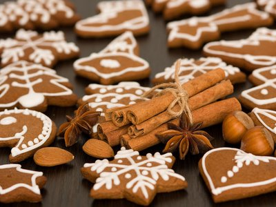 Holiday spices have a long history, stretching back hundreds of years. (Alamy)