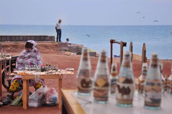souvenirs of the Hormoz beach thumbnail