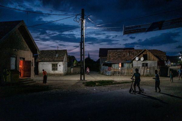 Night scene in Ogra thumbnail