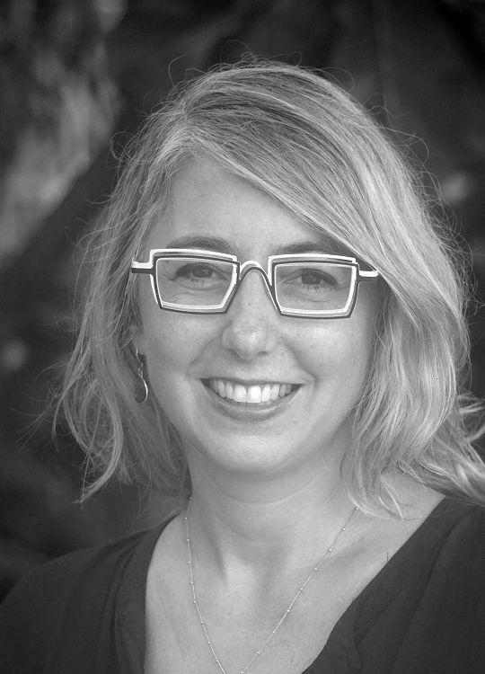 Effie Kapsalis is the Senior Digital Program Officer for the Smithsonian American Women's History Initiative.