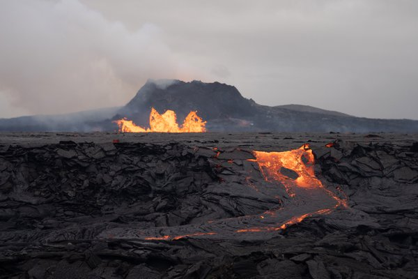 Volcano erupting in Iceland thumbnail