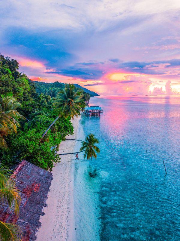 Beach in Raja Ampat thumbnail