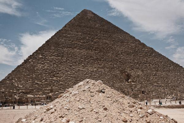 Two pyramids thumbnail