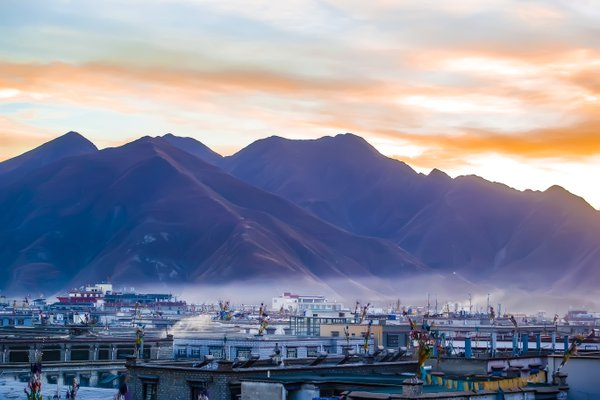 Dawn in Lhasa thumbnail